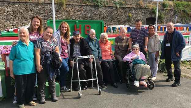 Stockport Seniors Cruise the Cheshire Ring