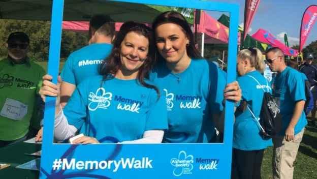 Julianna & Sarah raise £800 for Alzheimer\'s Society