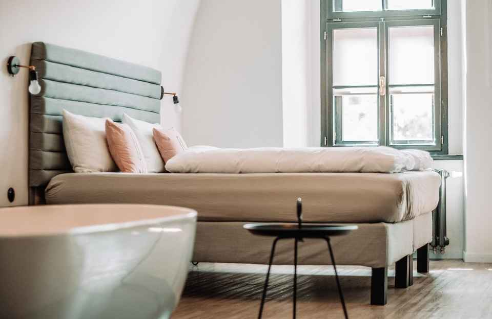 Downsizing your home decluttering