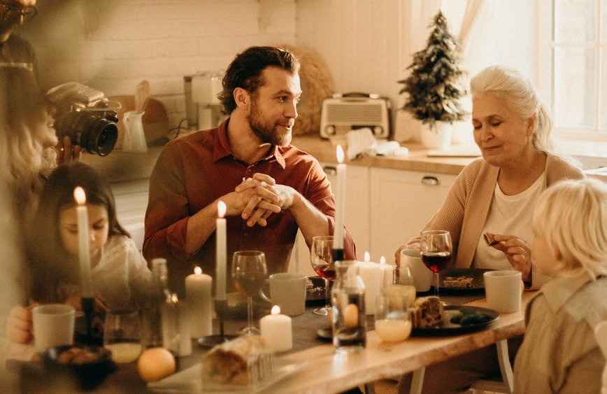elderly loneliness at Christmas
